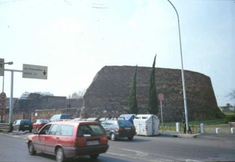 Area 1161: il mausoleo detto 'il Torrione'