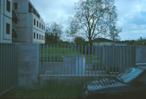 Area 1314: il terreno dall'esterno della recinzione
