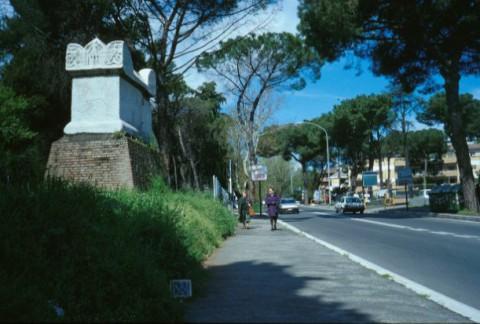 Area 1325: il sarcofago noto come tomba di Nerone