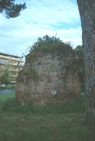 Area 1330: il sepolcro