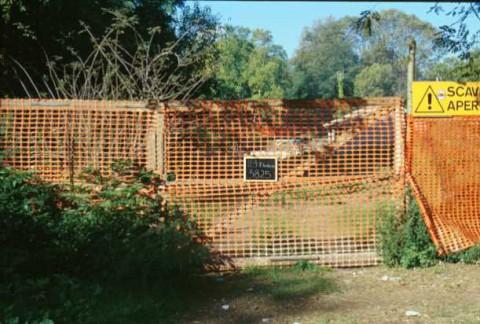Area 3825: le recinzioni di protezione degli scavi