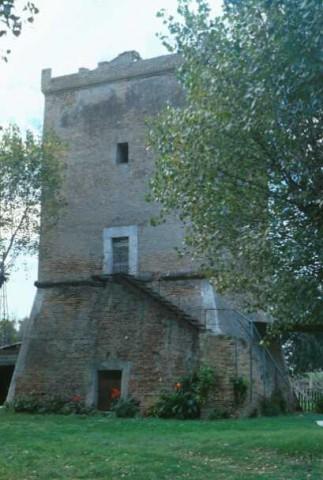 Area 3836: la torre utilizzata come abitazione