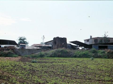 Area 3862: il sepolcro visto da via di Gregna Sant'Andrea