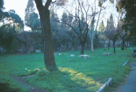 Area 753: veduta del giardino pubblico in cui si notano le rcate